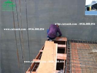 Công tác làm sắt chuẩn bị đổ bê tông sàn lầu 1 nhà anh Huy quận 9